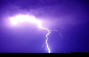 lightning-in-midland-1540375-639x412